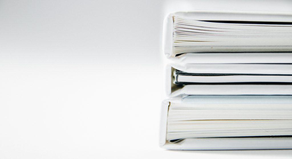 Des documents empilés